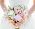 640_ingeborg-richard-bruid-roze-bruidsboeket